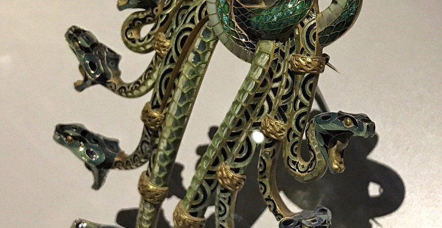 Médusa Exhibition: Jewelry, an Art well worth writing about
