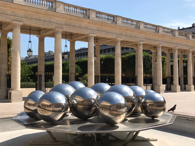 Pol Bury, Sphérades, 1985, Palais Royal