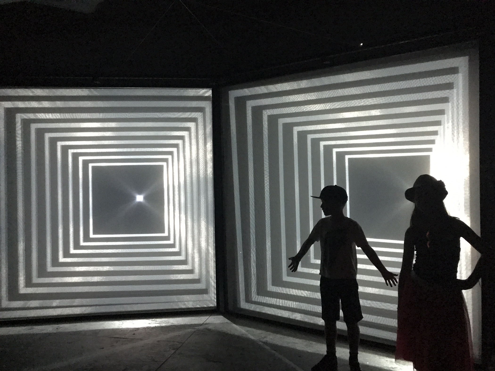 Cool Kids in Wonderspaces – Pop Up Art